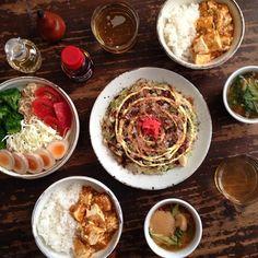 麻婆丼、とろろとキャベツのお好み焼き風、サラダ、カブの葉と麩の味噌汁。 #おうちごはん  #晩ごはん #夕ごはん - @hrk_hsmr- #webstagram