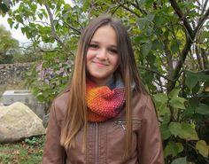 Snood, tour de cou, écharpe tubulaire tricoté en laine chiné multicolore - tricoté main - automne/hiver 2016 : Echarpe, foulard, cravate par kikoune-creations