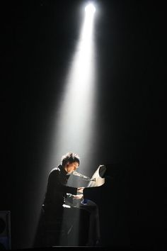 Amazingly talented musician- Matt Bellamy on piano, live  Muse.