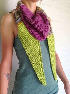 Design and Craft: Sideways Triangle Scarf Social Media Outlets, Triangle Scarf, Pullover, Fiber Art, Crochet Projects, Knit Crochet, Fashion Outfits, Sewing, Knitting