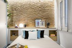 Bedroom / chambre. Headset