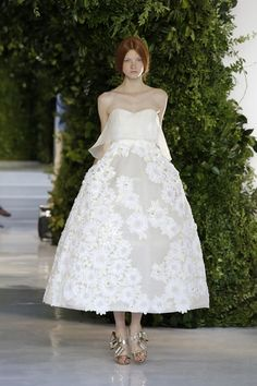 DelPozo- I really enjoyed watching this show. All of the looks drew me in... even though some silhouettes were pretty bizarre. I would recommend checking it out if you enjoy feminine, modern fashion. This was the dress that closed the show.