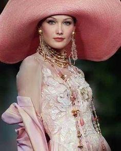 Carla Bruni in Dior