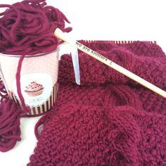 Bufanda color vino con lana fina de #weareknitters #knit #knitting #knittingisthenewyoga #instaknit #wool #tejer #tejermola #handknitted #handmade #diy #yesweknit #wak #weareknitters #iknit #cotton #algodon #wakstyle