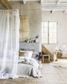 Je vous parle d'une belle découverte : le linge de lit en lin lavé ! Une révélation en décoration.