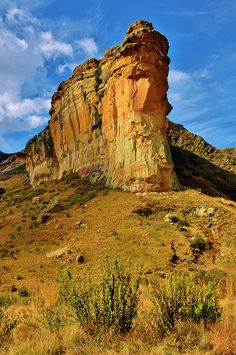 """The Titanic"" -Golden Gate Highlands National Park, South Africa Paises Da Africa, Out Of Africa, South Africa, Les Continents, Free State, African Countries, Belleza Natural, Africa Travel, Golden Gate"