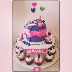 Make up cupcake tower