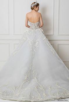 maison yeya 2017 bridal strapless sweetheart neckline heavily embroidered bodice princess blue ball gown wedding dress royal train (4) bv