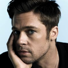 This post will show you how to draw Brad Pitt, quickly and easily. The fastest way to draw a drawing of Brad Pitt is by using our free grids and gray scale Brad Pitt News, Brad Pitt Pictures, Beautiful Men, Beautiful People, Gorgeous Eyes, Pretty Eyes, Hello Gorgeous, Hot Guys, Hot Men