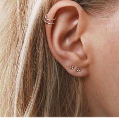 Serrated ear cuff - cartilage earrings - Dainty ear cuff - Gold ear cuff - Silver ear cuff - ear wrap-ear cuffs-Non piercing ear cuff Smiley Piercing, Dermal Piercing, Middle Cartilage Piercing, Ear Piercings Helix, Bellybutton Piercings, Body Piercings, Ear Jewelry, Cute Jewelry, Jewellery