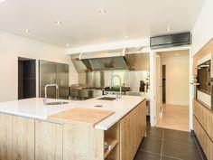Location vacances maison Anglet: Cuisine de >50 m2 toute équipée, nombreux placards , attenant un cellier