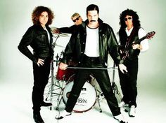 1000+ images about Queen on Pinterest | Brian may, Wembley ...