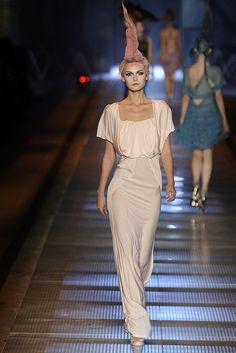John Galliano Spring 2009 Ready-to-Wear Fashion Show - Tatyana Usova