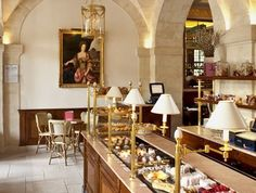 Carette Salon de Thé: come for macarons and tea/coffe