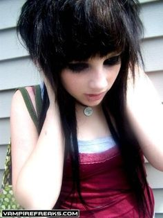 Permanent Link to : Emo girls hairstyle with bangs gallery 5