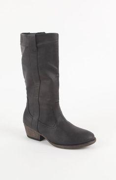 qupid trevor boots super cute at pacsun