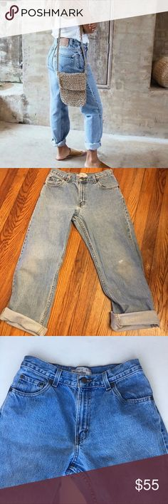 """Cute Light Wash High Waisted Levi's Jeans Amazing Vintage Vintage Levi's Mom Jeans. Perfect light blue color. Distressed knee and tag is slightly peeled for extra vintage look. Waist measures 26""""   Rise 10"""" Waist 26"""" Length 27"""" uncuffed  ⭐️Top Rated Seller  ⭐️Posh Ambassador  🚢Same day/Next Day shipping Urban Outfitters Jeans"""