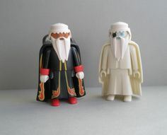 Playmobil Geobra Wizards, set of 2, good wizard, bad wizard, figurine, vintage toys, original, collectible, white cloak, black cloak on Etsy, Sold