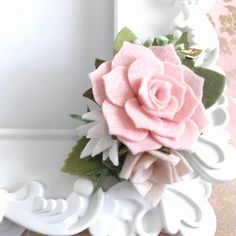 Love pink? Love succulents? Well this is your perfect hair accessory . A very delicate flower crown that will make your summer adventures be more fun!
