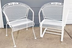 """Vintage Woodard """"Daisy Bouquet """" Wrought Iron Barrel Back Patio Chairs - Image 2 of 11 Yellow Outdoor Furniture, Vintage Patio Furniture, Patio Furniture Makeover, Iron Patio Furniture, Pallet Garden Furniture, Wrought Iron Patio Chairs, Furniture Dolly, Furniture Logo, Street Furniture"""