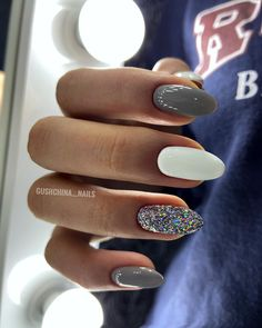 beliebte diesem Jahr Nail Styles Winter 39 Popular Winter Nail Styles This Year Beliebte Winternagelstile probieren Sie es aus Stylish Nails, Trendy Nails, Cute Acrylic Nails, Cute Nails, Hair And Nails, My Nails, Sns Nails Colors, No Chip Nails, Nagel Bling