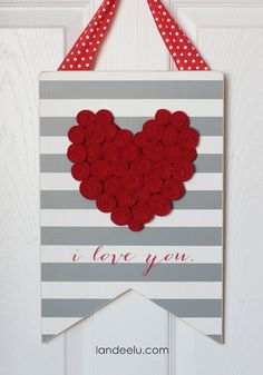 So many adorable DIY Valentine's Day signs! Make your own this Valentine's Day!