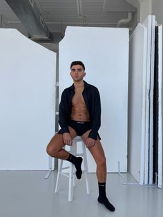 Men's designer Tom Ford fashion. #designer #maleoutfits #nike Tom Ford, Toms, Sporty, Nike, Men, Instagram, Design, Style, Fashion