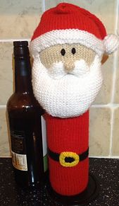 This is a fantastic way to give a wine bottle as a Christmas present.