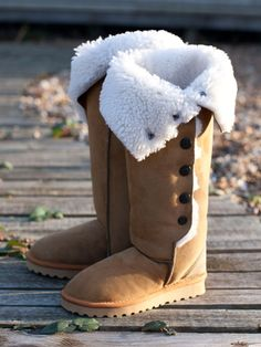 Celtic Sheepskin boots - best in the world, bar none ! I love mine! Furry Boots, Ugg Boots, Boot Scootin Boogie, Sheepskin Boots, Winter Warmers, Cool Boots, Winter Boots, Celtic, Uggs
