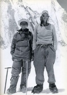 Tenzing Norgay (Nepal) and Edmund Hillary (New Zealand): Everest Mountain Climbing, Rock Climbing, Mountain Biking, Monte Everest, Photo Vintage, Historical Pictures, Top Of The World, Extreme Sports, Geography
