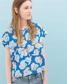 9e1a6eee0247b Image 1 de T-SHIRT FLEUR HAWAÏ de Zara Chemise Femme, Tissus, Fleurs