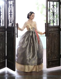 Gorgeous hanbok of gold+taupe colours Korean Traditional Clothes, Traditional Fashion, Traditional Dresses, Korean Fashion Trends, Asian Fashion, Modern Fashion, Korean Dress, Korean Outfits, Dress Attire