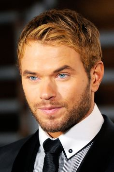"Kellan Lutz ""Legend of Hercules"" star is wearing the first ever #sustainable tuxedo to the #Oscars tonight!"