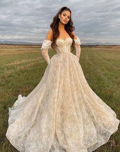 Pretty Wedding Dresses, Pretty Dresses, Bridal Dresses, Beautiful Dresses, Wedding Gowns, Lace Wedding, Ball Dresses, Ball Gowns, Prom Dresses