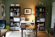 organizing homeshool room | Cozy homeschooling room #homeschool | Homeschool