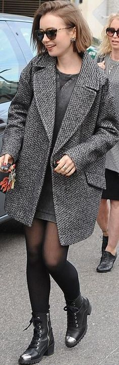 Who made Lily Aldridge's jewelry, brown sunglasses, red print key chain, and black boots?