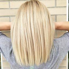 Light blonde long bob (@ laurajoleschstylist) New Site - Cabello Rubio Light Blonde Hair, Blonde Wig, Blonde Color, Yellow Blonde Hair, Super Blonde Hair, Neutral Blonde Hair, Blonde Hair Shades, Blonde Hair Looks, Perfect Blonde Hair