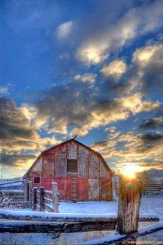 Granero rojo en Missoula, Montana