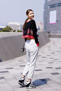 Korean Street Fashion  in Seoul Fashion Week  model Kim Jin kyung  #streetfashion #koreafashion #marvle #fashionmagazine #marvlemagazine