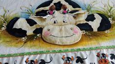 Toalha de louça decorativa vaquinha...  https://www.facebook.com/catiartesnapk2014