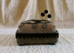 Primitive Folk Art Wool Box Pincushion Bird Vine Applique Pinkeep Pins Usaprim | eBay
