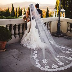 White+/+Ivory+Wedding+Veil+One-tier+Chapel+Veils+/+Cathedral+Veils+Lace+Applique+Edge+With+Comb+–+USD+$+27.99