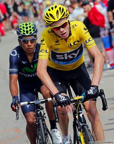 Chris Froome caught Nairo Quintana (Movistar Team) at the front of the race with 4 km to go