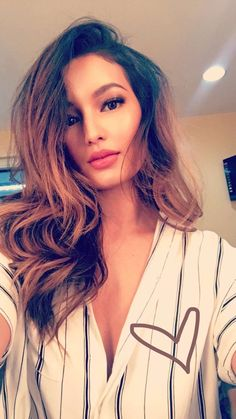 Media Tweets by Sarah Lahbati (@SarahLahbati) | Twitter Sarah Lahbati, Philippines, Idol, Hair Beauty, Celebrity, Portraits, Twitter, Photography, Tops