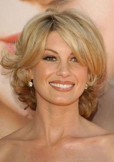 Faith Hill in Playful Simply Styled Cute Blonde Hair with Body - Beautiful Hairstyles