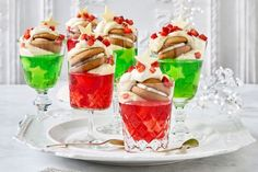 With layers of jelly, mascarpone cream and ginger kisses, these mini trifles will steal the show this Christmas. Xmas Food, Christmas Desserts, Christmas Recipes, Christmas Cooking, Christmas Ideas, Christmas Makes, Christmas Star, Mini Trifle, Jelly Crystals