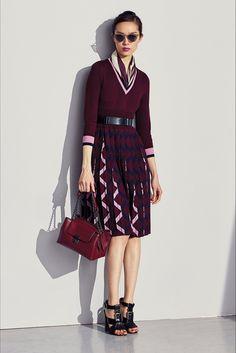 Guarda la sfilata di moda Bottega Veneta a New York e scopri la collezione di abiti e accessori per la stagione Pre-Collezioni Autunno-Inverno 2017-18.
