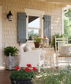 Home exterior design for you. Eksterior & Interior Window Trim Ideas for Your Dreamed House! Design Exterior, House Paint Exterior, Exterior Paint Colors, Exterior House Colors, Paint Colors For Home, Exterior Windows, Paint Colours, Modern Exterior, Coastal Cottage