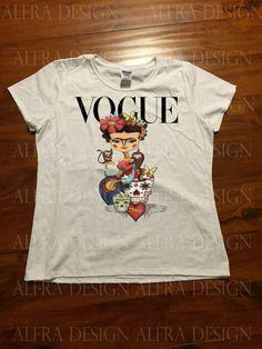 Frida Kahlo Inspired Cartoon Vogue Art T-shirt por AlfraUniqueGifts