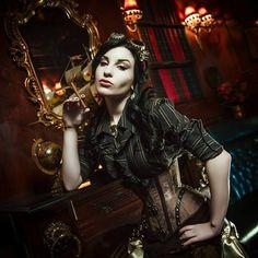"Model: Johanna Vetis ""Brunneis"" corset Villena... - Gothic and Amazing"